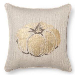 Fall Pumpkin Pillow Threshold